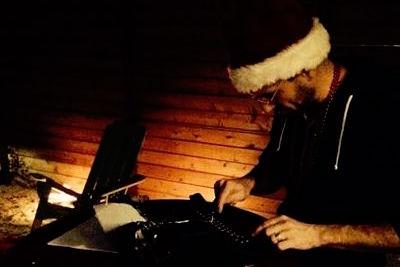bad-santa-typing.jpg
