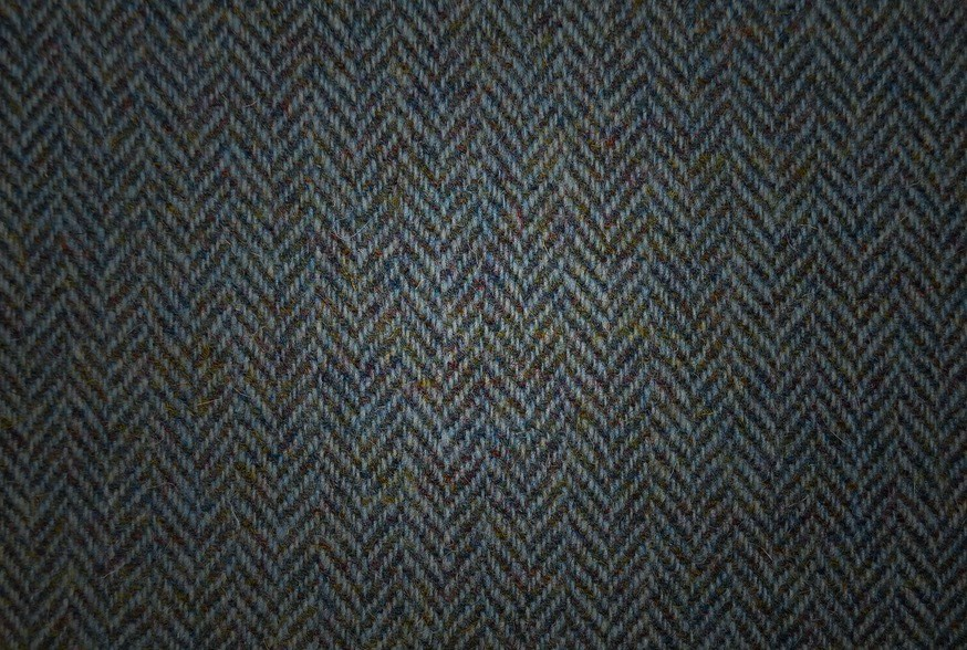 QUALITY FABRICS& HARDWARE - Many of our collars are made from high-quality fabrics, like genuine Harris Tweed, woven by an independent mill on the Isle of Harris in Scotland