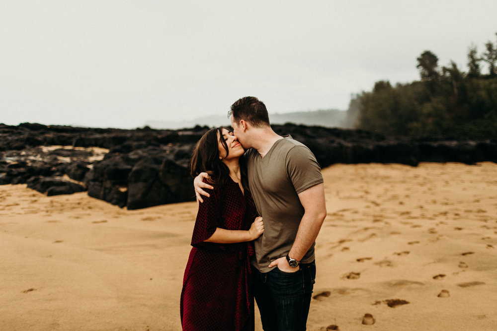 Lauren Dixon Photography-Kauai Honeymoon Session 27.jpg