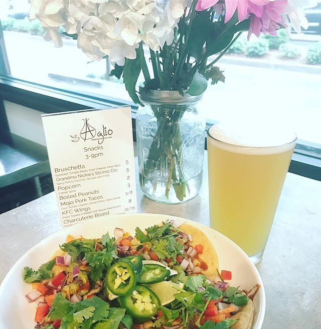 What goes better with the @samsmithworld concert @smoothiekingcenter than some Jucifer IPA from @gnarlybarley and some stewed pork tacos with all the fixings? Jesus and a unicorn. That's what. We don't have those things yet, but we have the others.... #concertnight #tacotuesday #coldbeerfinewomen #drunkagram #nolaeats #noladrinks #nolaliving #itsnotrainingitsfreeshowers #idontknowwhothisisbutotherpeopledosothatsallthatmatters