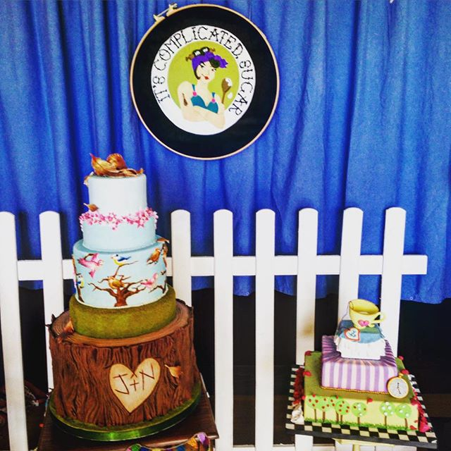 Looking good at @itscomplicatedsugar at the @quirkywed fair yesterday #cake #genius #rocking