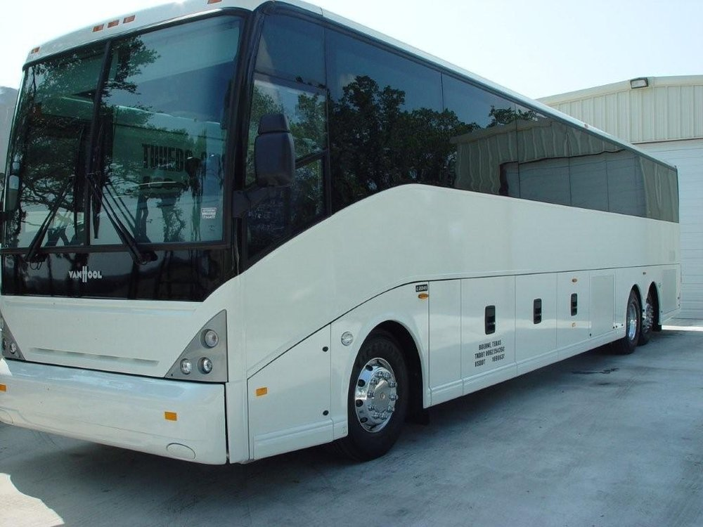 47 Passenger Limo Bus Coach Exterior