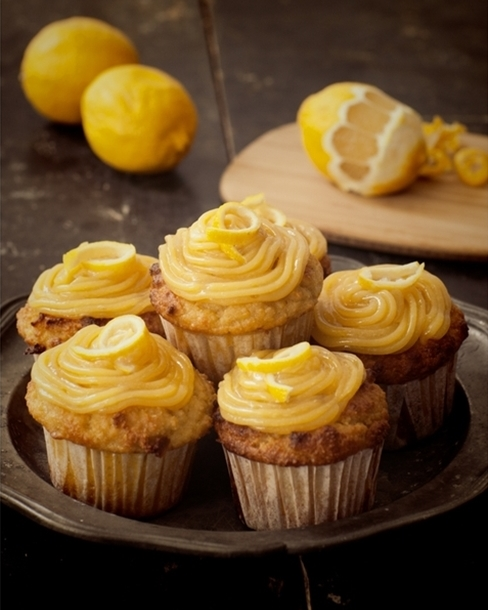 20130311_coconut_lemon_cupcake_00042.jpg