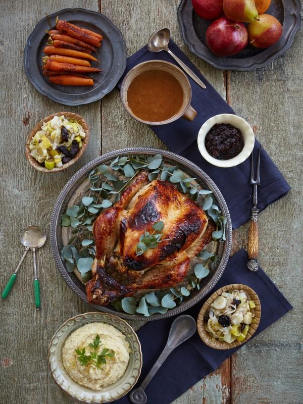 thanksgiving_turkey_feast-600x800.jpg