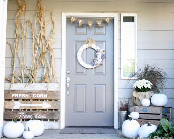 Fall-Outdoor-Decorating-Ideas-35-1-Kindesign.jpg