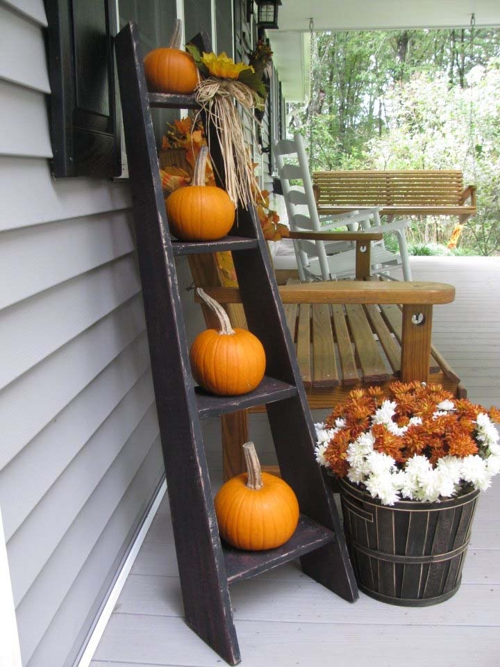 Fall-Outdoor-Decorating-Ideas-05-1-Kindesign.jpg