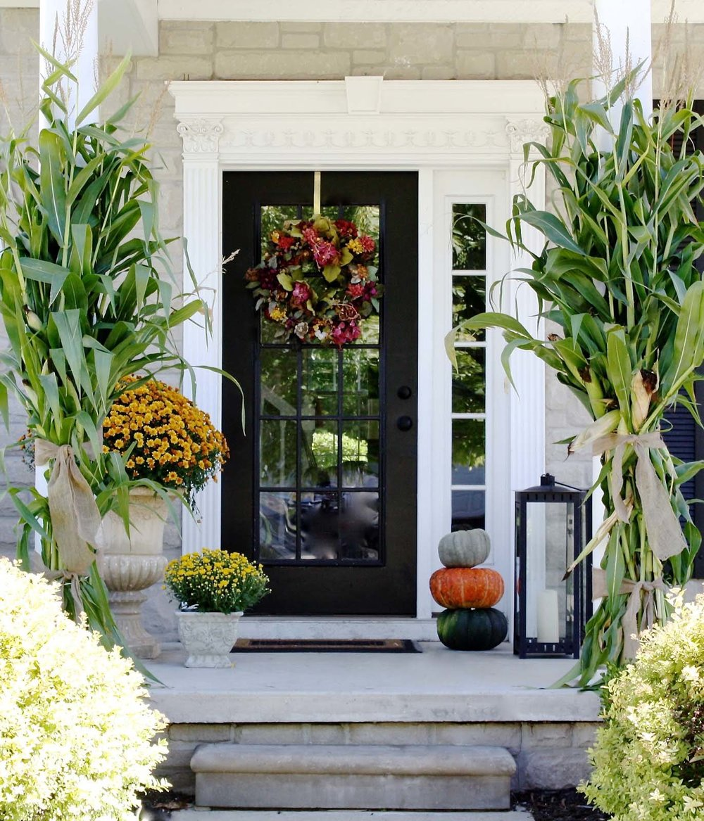 Fall-Outdoor-Decorating-Ideas-08-1-Kindesign.jpg