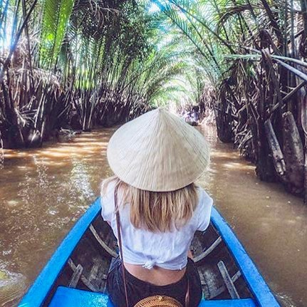 #FTCfeatureweek round three!! (Sorry I was too busy yesterday, wedding in Italy and all: will post pics soon!🙏🏻) today we are meeting the amazing travel writer @lovetwowander , who is based in Saigon, Vietnam! This is her exploring the country! We love her women-on-a-mission Vibe! 😍 Love to you all and an amazing night - Larissa ❤️ . . . . #travelvietnam#vietnamtravel#travelwriter#travelwriting#femaletravelcollective#travelinggirls#ftc#getlostintravel#travelmore#lovetotravel#femmetravel#wearetravelgirls#girlswhotravel#wanderlust