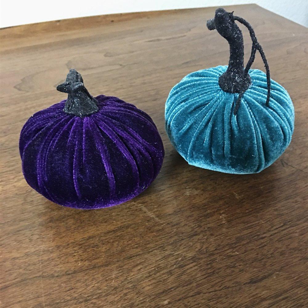 silk pumpkins.JPG