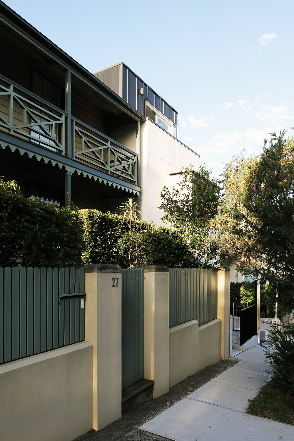 Website | File | Terence Yong Architecture | 3 Townhouses in Balmain : Siblings | A strong yet humble street front presence from the South-West.jpg