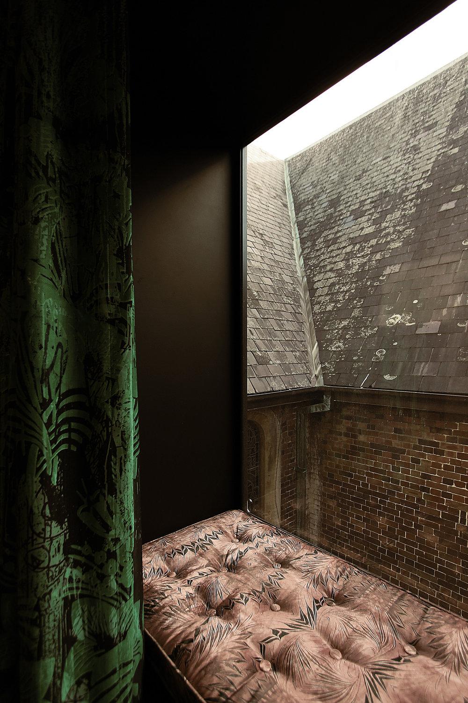 INTERIOR ARCHITECTURE - MOODY LUXE MINIMALISM