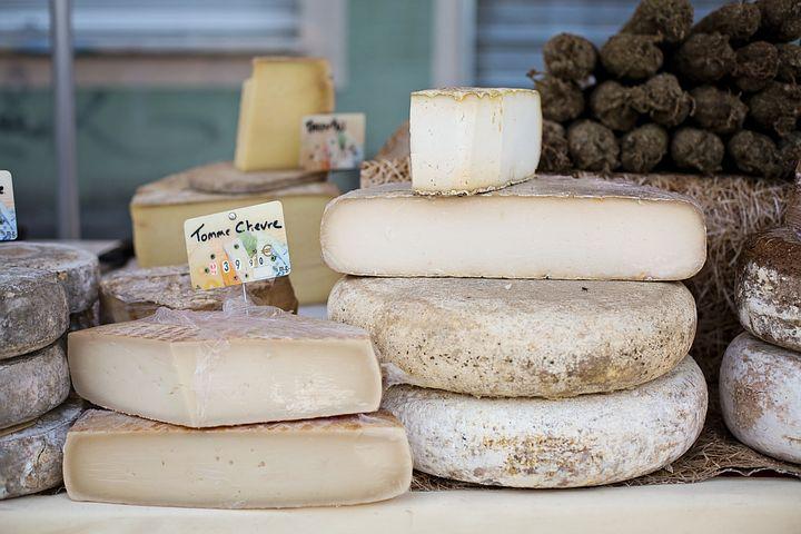 cheeses-1433514__480.jpg