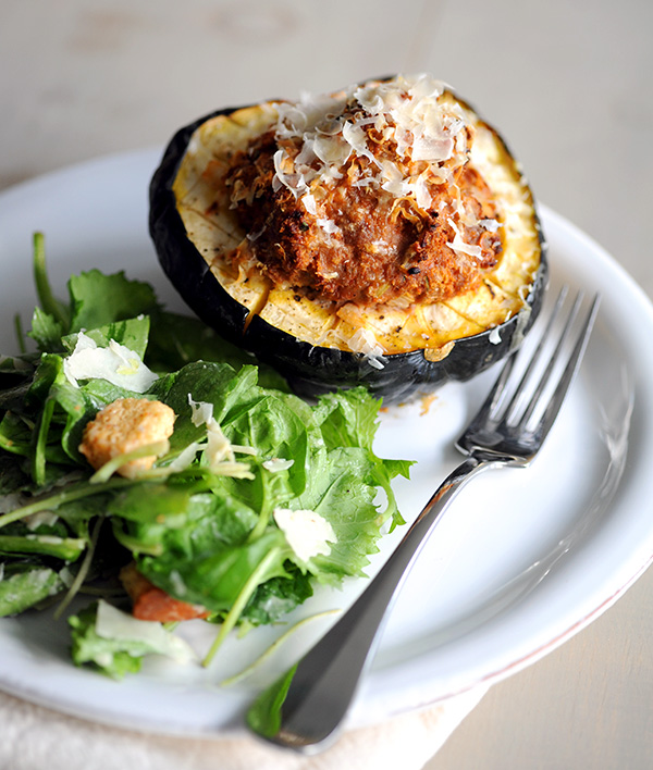 Meatloaf Stuffed Squash-8988