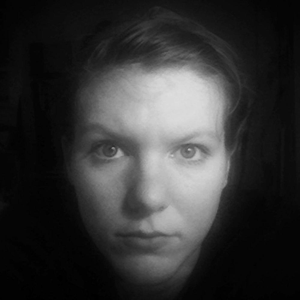Julie Mika Runa, fotograf