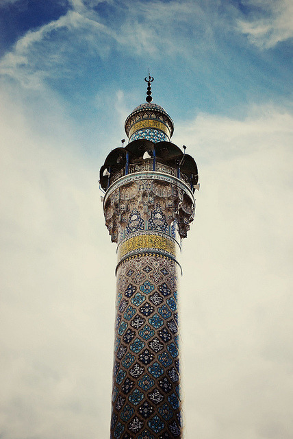 flisteen :      Sayyidah Zaynab Mosque  by  Rawan.  on Flickr.     Such heartbreaking beauty. In one picture.