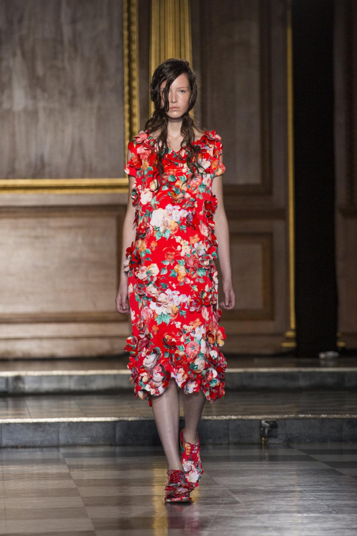 simone-rocha-runway-london-fashion-week-ss15-1.jpg