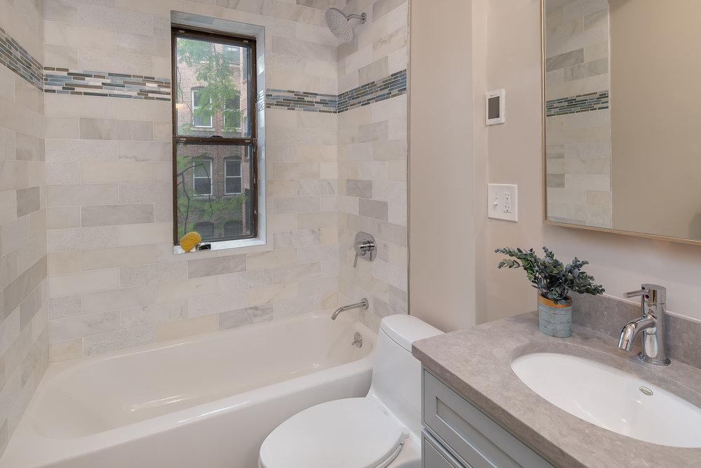 43 Irving St bathroom.jpg