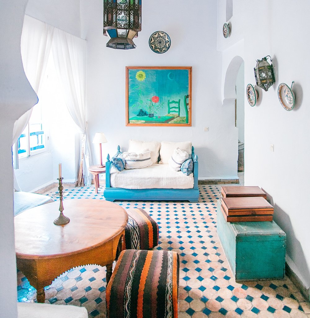 9. Choose a theme - A themed room is an opportunity to display collections or travel memorabilia uniquely. Formal furnishings often fall flat in a tiny space. Throw caution to the wind and have fun.