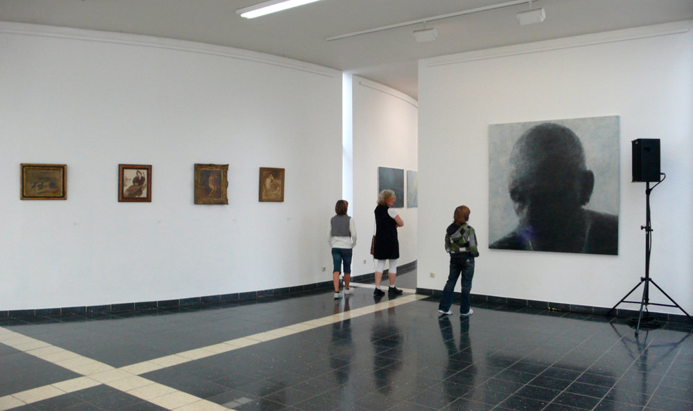 Gesichtlos die Malerei des Diffusen/Faceless: The Painting of the Diffuse   Kunsthalle Darmstadt, Germany, 2009  Curated by Dr Peter Joch