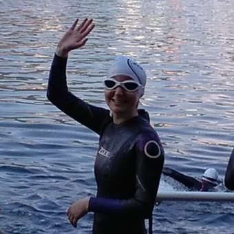 Catherine Lee - I started competing in triathlons in 2013 coming from a running/swimming background. Over the last couple of years, I have raced at local, regional and national level. In 2016, I pulled by tendon in my knee which took over a year to recover. From then, I have been training with Swansea University Triathlon Club and enjoying training as well as getting stronger along the way. I am extremely excited for racing and training with Beacon Triathlon this year with likeminded athletes and hoping to have a good race season ahead. Thank you Beacon Tri, for this opportunity and for the support. Here's to a good season!