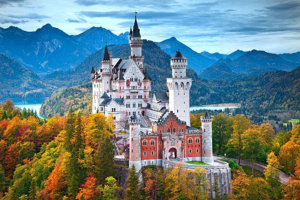 Neuschwanstein Castle;