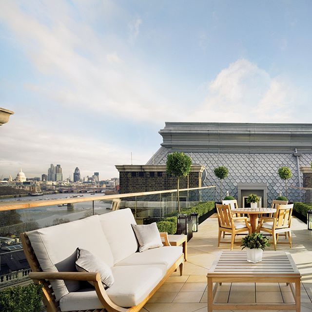 A private roof terrace overlooking iconic London sights? It has to be the Musicians Penthouse at the ultra-glamorous Corinthia Hotel London (@corinthialondon). Follow the link in our bio to book your stay with #LuxuryBARED for exclusive benefits. #LuxuryTravel #Travel #London #Thames #LuxuryHotel #LoveToTravel #Wanderlust #GorgeousView #Love #Beautiful #Instagood #Penthouse