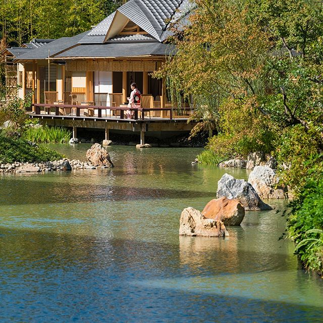 The beautiful Four Seasons Hotel Kyoto (@fskyoto) is built around the Shakusuien - a traditional eight-hundred-year-old pond garden, and is within easy distance of Kyoto's beautiful temples. It's the perfect place to explore this city's historic beauty. Follow the link in our bio to book your stay with #LuxuryBARED for exclusive benefits. #LuxuryTravel #Travel #Kyoto #Higashiyama #LuxuryHotel #LoveToTravel #Wanderlust #Travelgram #Love #Beauitful #Instagood #Tranqul #Bliss