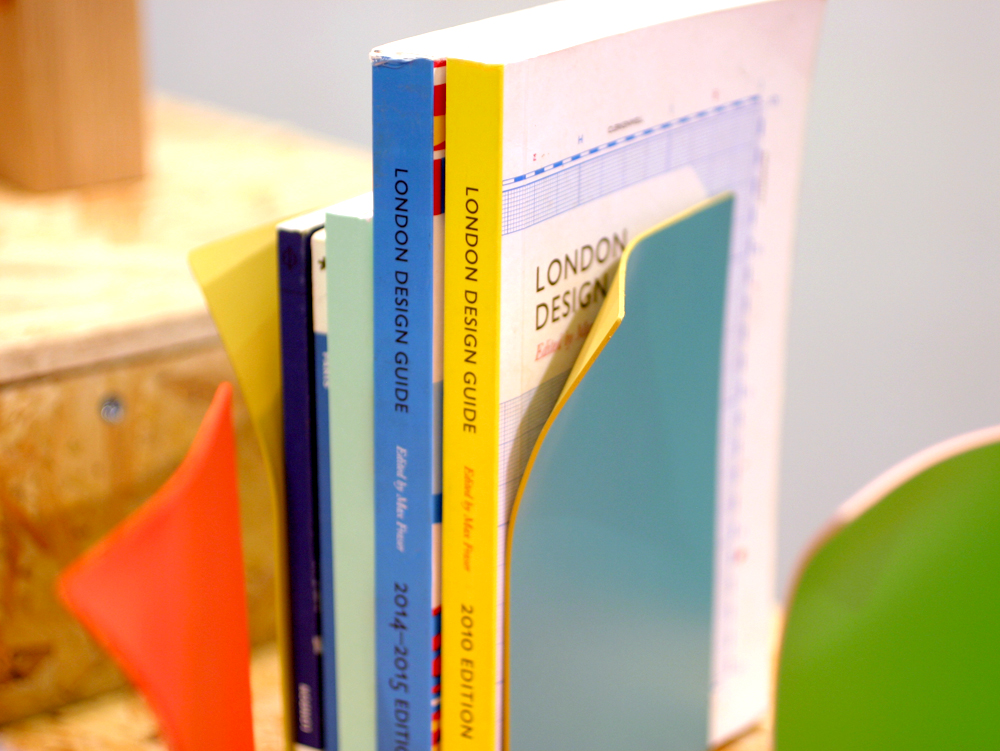 block-design-bookends-page-turn
