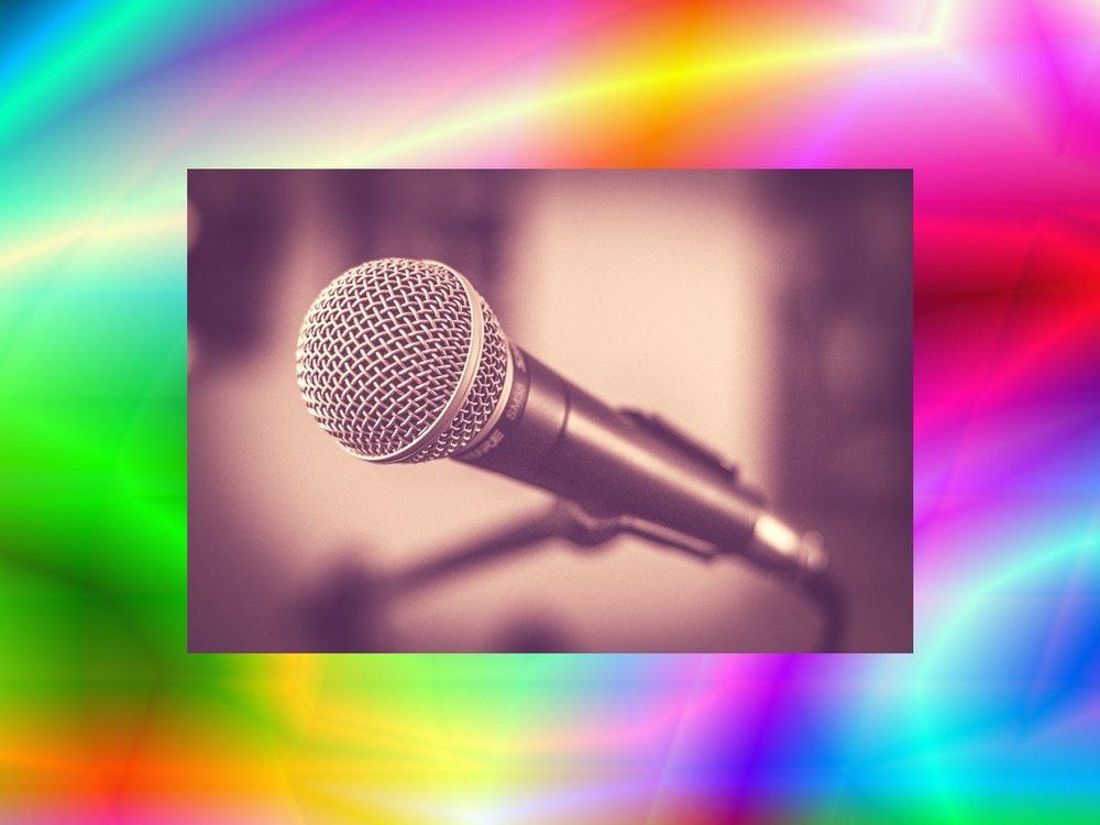 live-entertainment-Karaoke-wow!zone