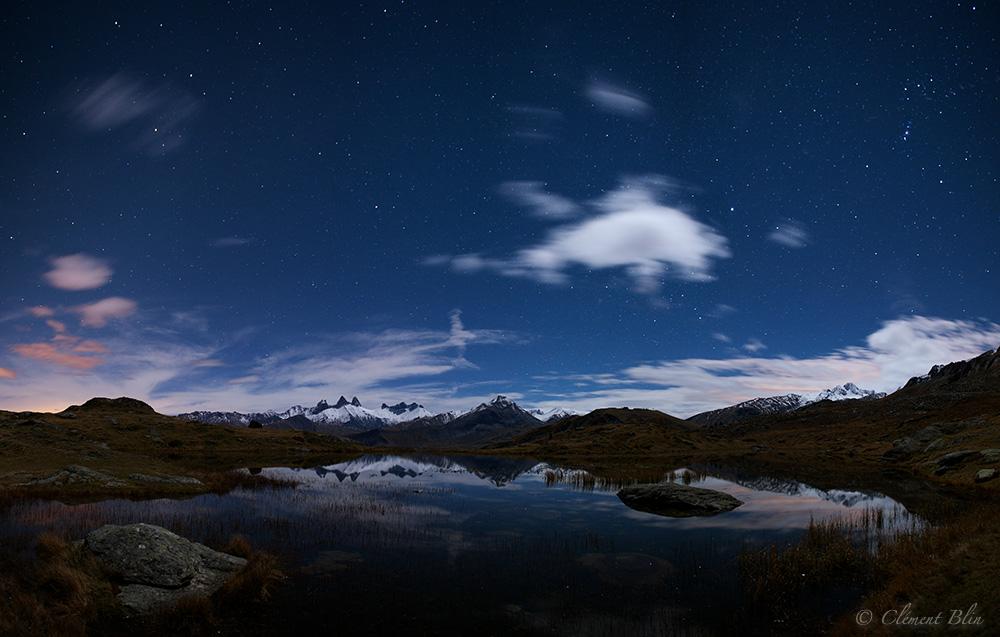 Le lac Guichard sous les étoiles
