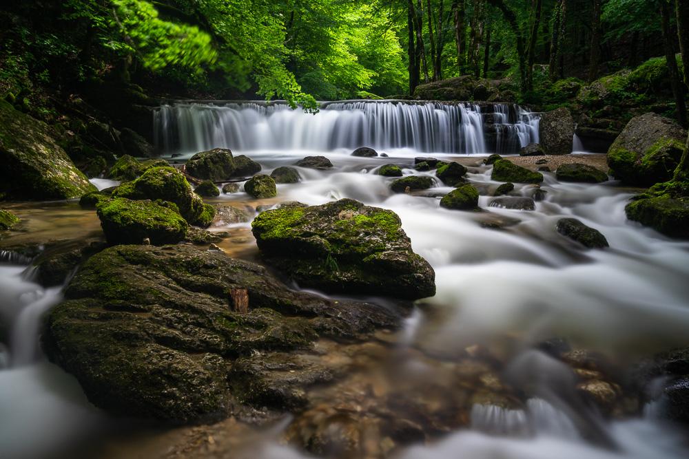 Vert printemps aux cascades du Hérisson