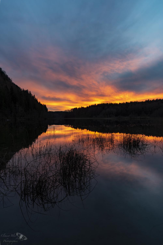 Lac du petit Maclu au coucher du soleil.   Sony A7, 24-70 GM, F11, bracketing sur 5 images, filtre polarisant et dégradé gris neutre 3 diaphragmes.