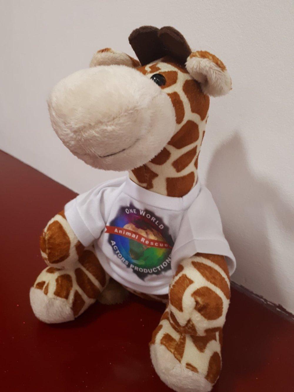 owapar merch  viggo the giraffe.jpg