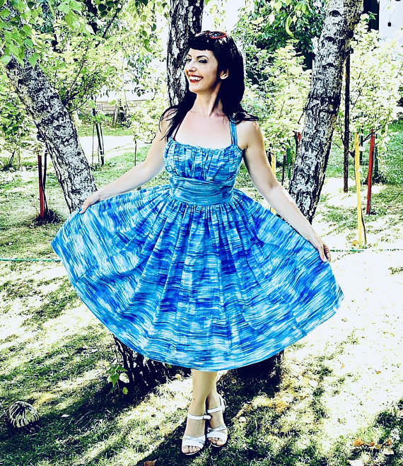 robe bleue TERA INTERNATIONAL.jpg