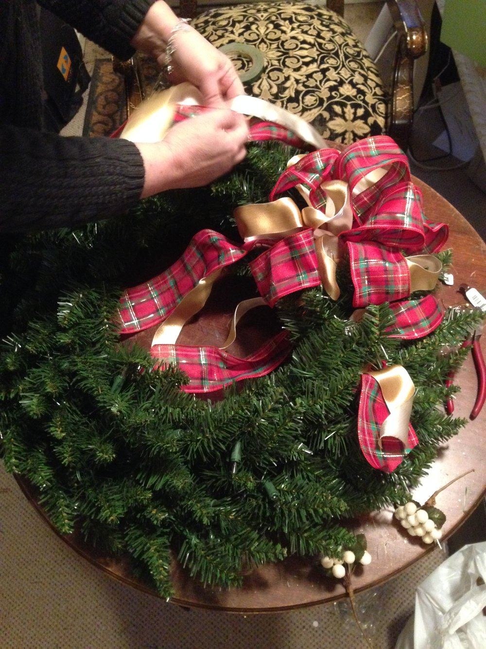 family room wreath assembly