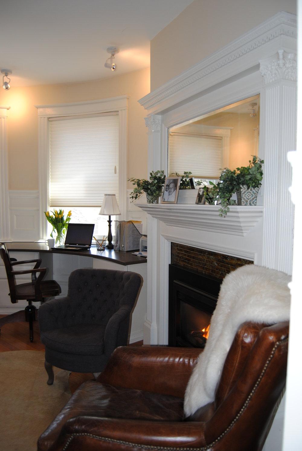 custom home office.JPG