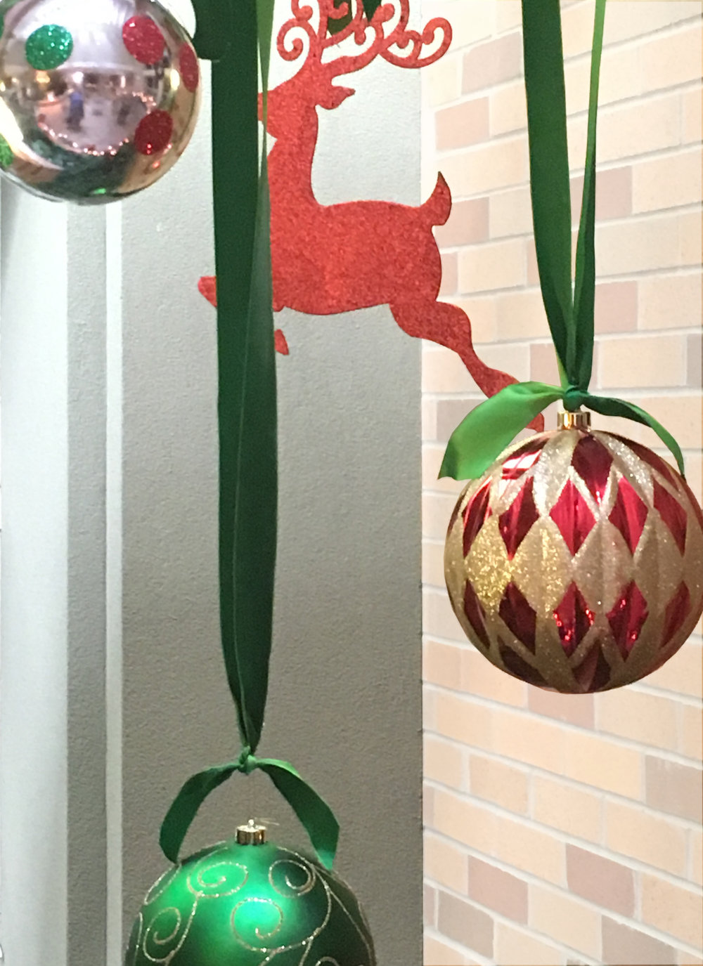 Oversize hanging ornaments