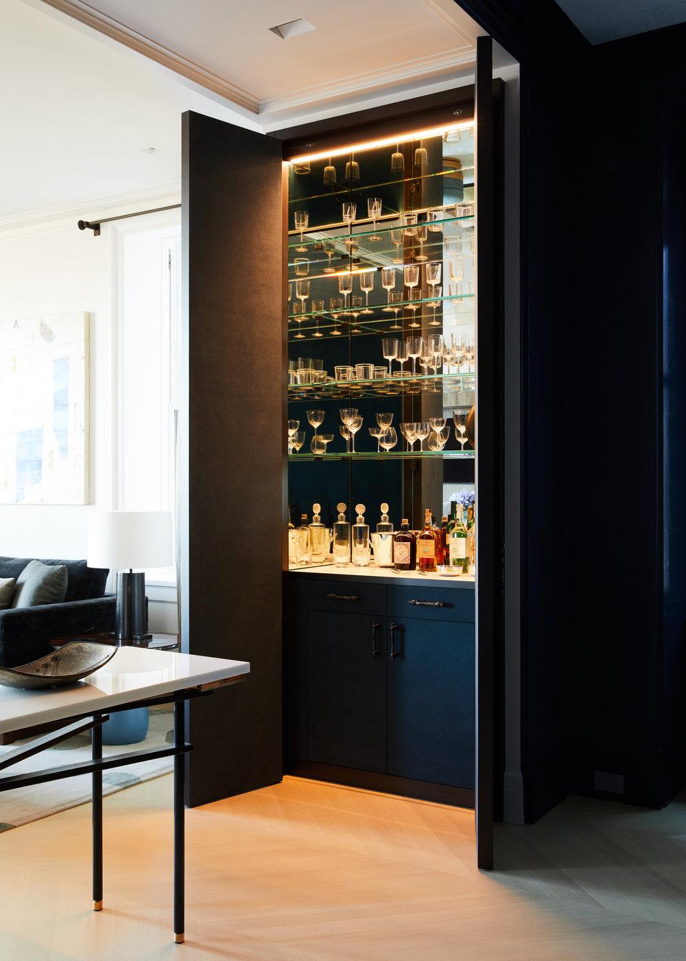 88_CPW_Dining_Room_Bar_004.jpg
