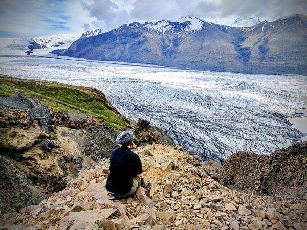 Viewing-the-Glacier.jpg