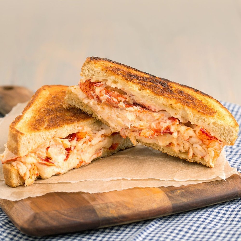 giant-lobster-grilled-cheese-sandwiches.3ae46ebafd57ef238d77e58daf935aa6.jpg