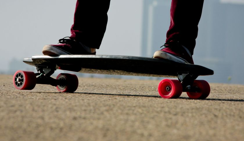 Inboard     Introducing the M1™ Electric Skateboard. With powerful dual in-wheel motors and the ability to change batteries on the fly, the M1 will introduce you to a whole new ride. Through the concentrated and collaborative efforts of designers, engineers, and athletes Inboard is able to manifest a product that looks and feels like a traditional non-powered skateboard. This is accomplished through the use of the patented Manta Drive®, in-wheel direct drive, motor assembly. Inboard seeks to create lightweight transportation technology that flows.