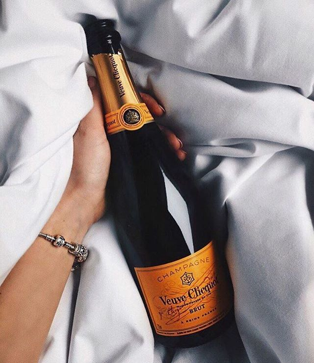 Here's to the #royalwedding and waking up and the crack of dawn! Happy Saturday everyone....now time for a nap!
