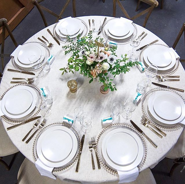 We have so many great images to share from @berkleyrobins Mitzvah at the end of last month! Where to start?! . . We had such a great time designing our two different seating areas with @pedersenseventrentals (😘@blackberry.girl) and went for a very elegant understated look for the adult dining area, completed with custom chocolate gifts from Seattle's own @theochocolate and stunning spring blooms done by us 🌿 ⠀⠀⠀⠀⠀⠀⠀⠀⠀ ⠀⠀⠀⠀⠀⠀⠀⠀⠀ 📷 by @druedrysdale
