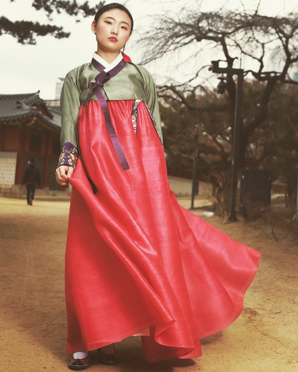 A proper hanbok has some volume from an inner, padded skirt but still hangs down naturally. A properly made hanbok should have volume, but still flow when the wind blows. This is Korea; this is the subtle difference that the real, proper thing allows, and which is often lost on tourism paths traveled by thousands of people a day. If you can't even find a proper hanbok on your trip what else are you missing?