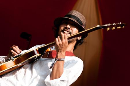 Noriyuki Inoue (Guitar)