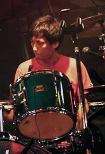 this is Kawamori (Drums)