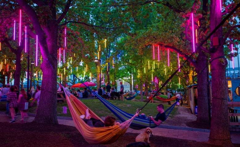 Spruce-Street-Harbor-Park-New-Summer-2016-1500uw-780x480.jpg