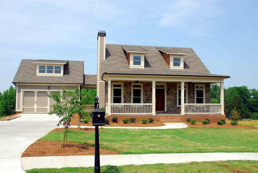 luxury-home-green-lawn.jpg
