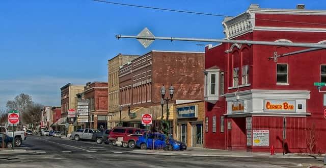 nebraska-town-min.jpg