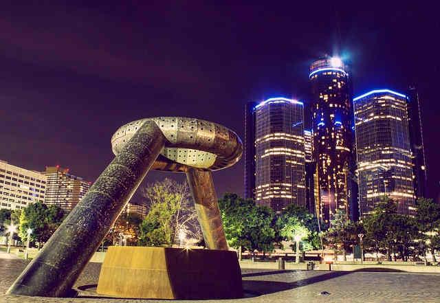 detroit-michigan-dodge-memorial-fountain.jpg